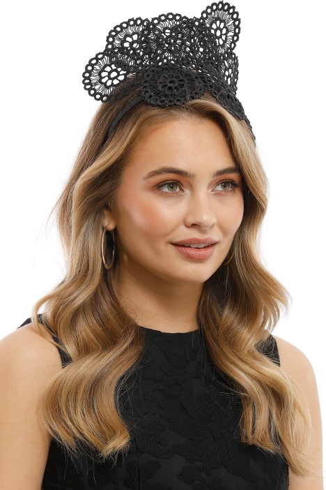 Olga Berg - Courtney Lace Fascinator - Black - Model